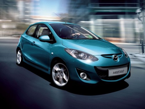 bg800_381143-500x375 Обновленная Mazda2 будет представлена в Париже