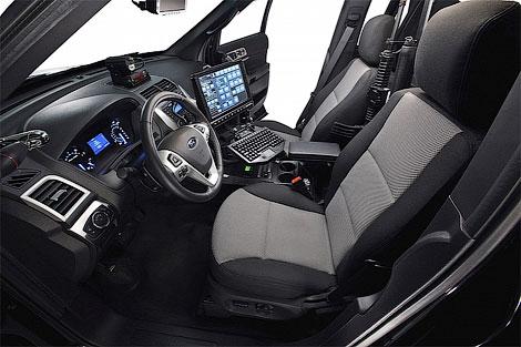 2 Ford выпустил полицейскую версию нового Explorer