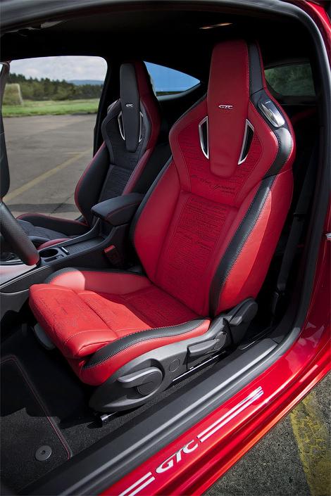 31 Opel представил интерьер трехдверной Астры