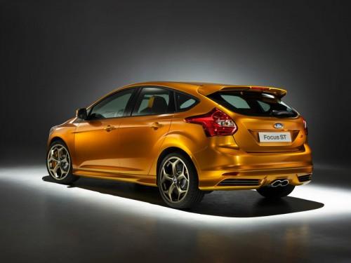 bg800_383544-500x375 Новый Ford Focus ST поступит в продажу с  247-сильным турбодвигателем