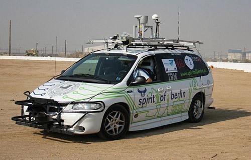 spirit-berlin-825x525 Немцы создали автомобиль-робот на базе VW Passat