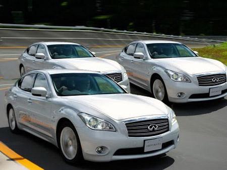2011-Infiniti-Sports-Sedan-M35h-The-Drivers-Hybrid-1 Гибрид Infiniti будет издавать специальные звуковые сигналы для предупреждения пешеходов