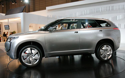 mitsubishi-px-miev-concept-side Mitsubishi заканчивает разработку своего первого гибрида