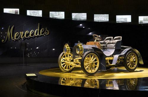 mercedes-benz-museum-26_1302_ В Германии отмечают юбилей первого автомобиля