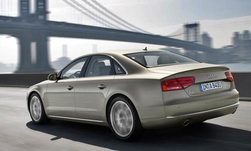 bg800_355209 Audi A8 получит 520-сильный двигатель