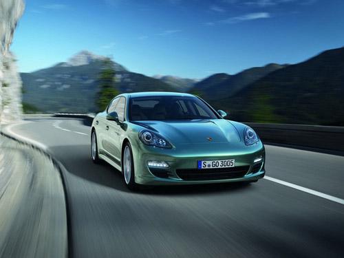 bg800_410108 Летом поступит в продажу дизельный хэтчбек Porsche Panamera