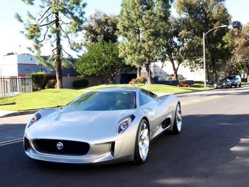 bg800_410656 Jaguar запускает в серию гибридный суперкар