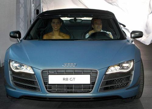 bg800_414647 Официально представлен легкий родстер Audi R8 GT Spyder