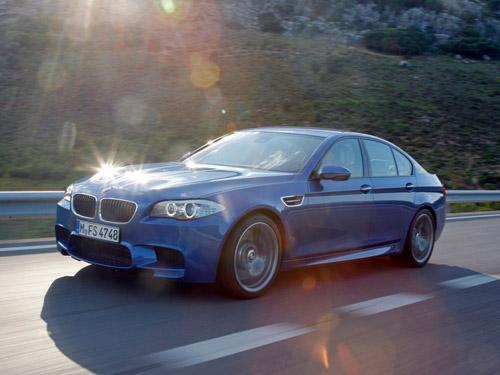 bg800_414831 BMW определился с российскими ценами на М5 и 1 Series