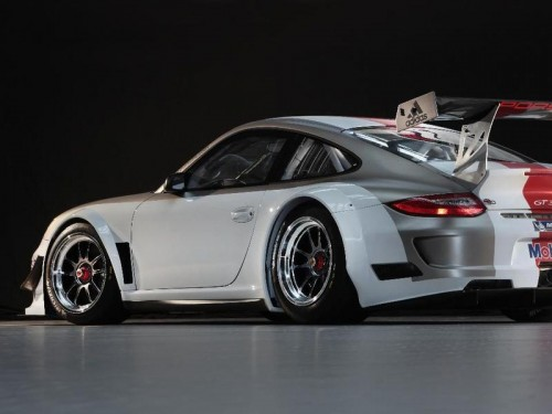 bg800_4257031-500x375 Обновился Porsche 911