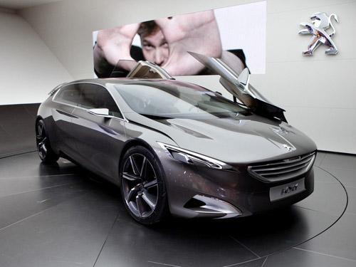 bg800_427636 Компания Peugeot привезла во Франкфурт минивэн будущего