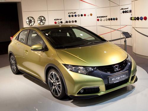 bg800_427683 Стали известны цены на Honda Civic нового поколения