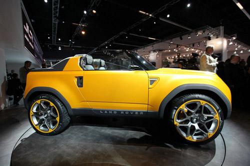 Land Rover покажет обновленный прототип следующего «Дефендера»