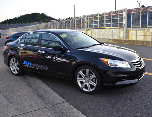 4 Honda представила прототип гибрида с интеллектуальным распределением мощности по колесам
