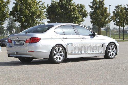 1327528069_11 На дорогах Германии проходят тестовые заезды автомобиля-робота от BMW