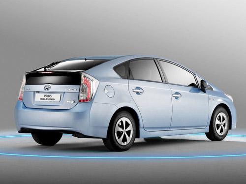 bg800_447765 Расход топлива Toyota Prius составляет всего 2,1 л на 100 км