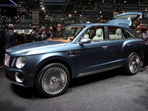 bg800_448564 Bentley показал в Женеве свой первый кроссовер