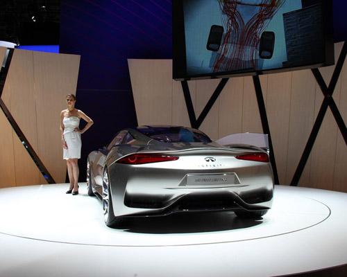bg800_448906 В Женеве состоялся дебютный показ концепта Infiniti Emerg-E