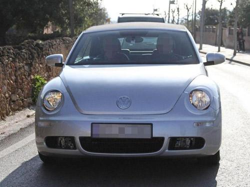 bg800_453587  Volkswagen намерен на базе Beetle выпустить кабриолет