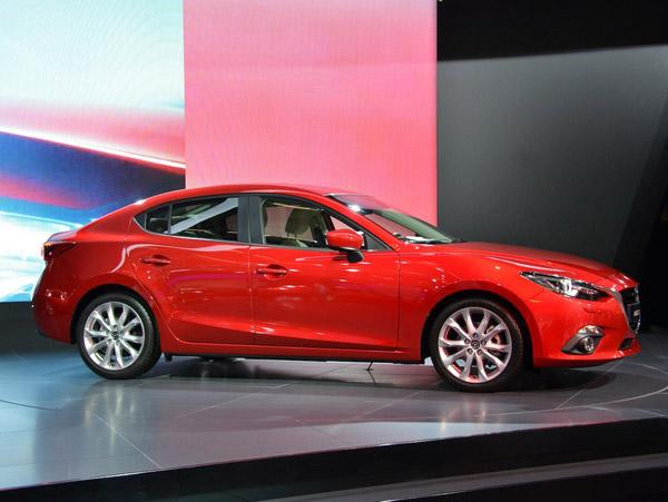 Mazda показала во Франкфурте новую «трёшку»