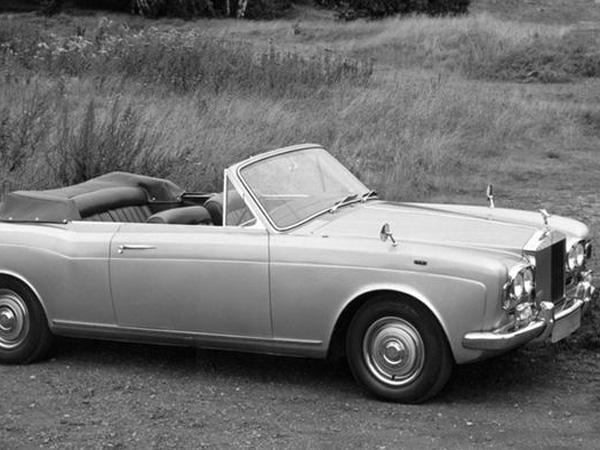 9 ТОП-10 самых красивых культовых авто Европы